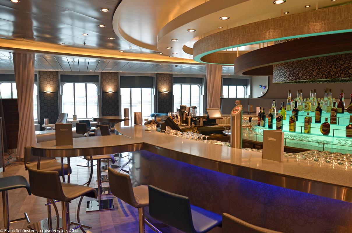 mein schiff 3 bilder und fotos von bord tui cruises. Black Bedroom Furniture Sets. Home Design Ideas